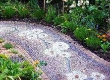 10 idej za vrtno pot z mozaik vzorcem