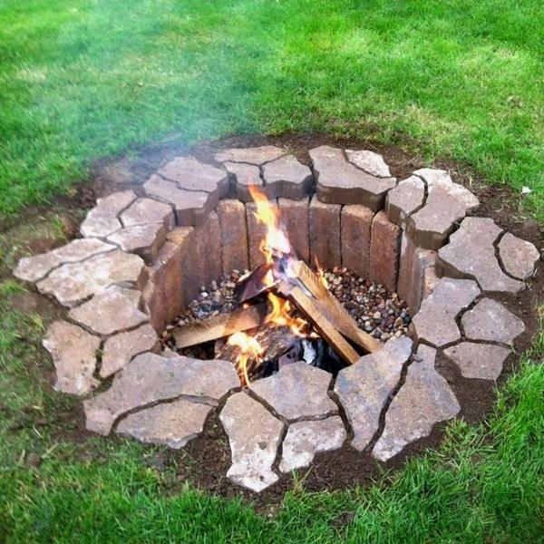 Postavite v bližini požara kamen