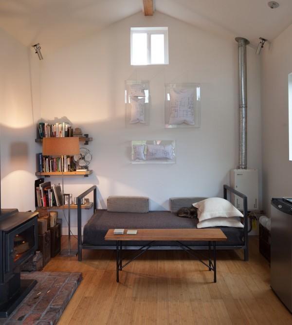 Kavč v dnevni sobi