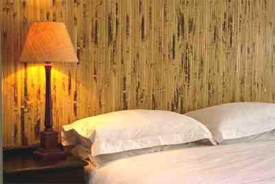 Okrasitev stene bambusa v afriškem slogu