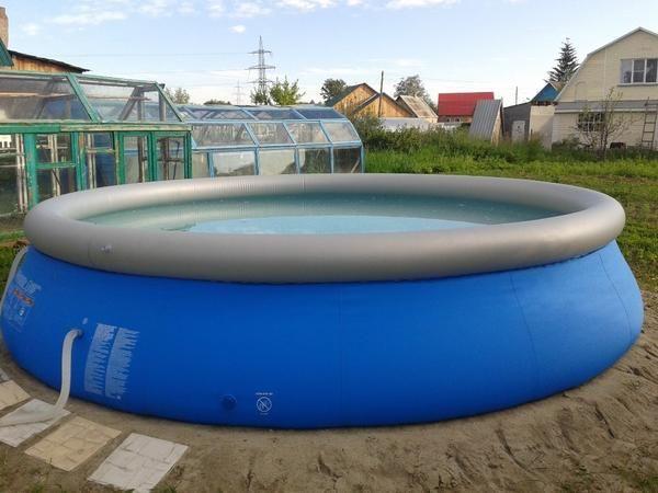Okrugli veliki bazen na napuhavanje