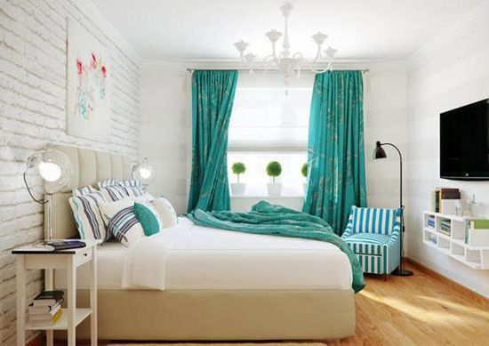 Bele stene v notranjosti spalnico