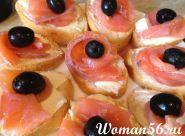 Sendviče s červeným ryb designem - foto