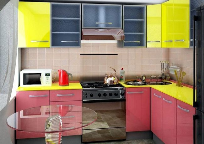 Kuhinja design v Hruščov 3