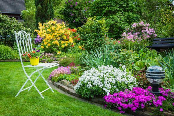 Stol s cvetjem