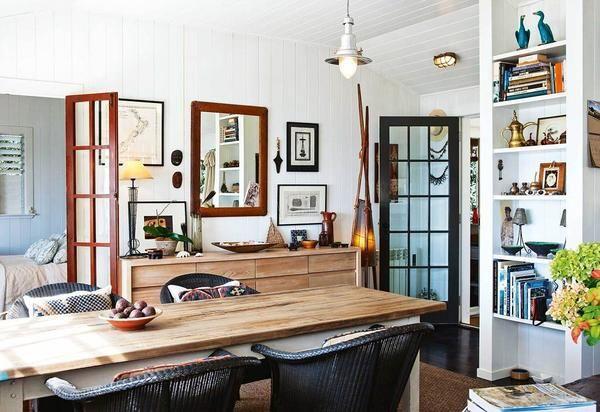 Interiorul sala de mese