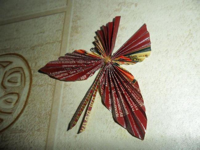 Бабочка из фантиков