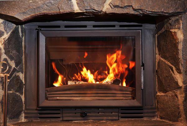 Zaščitna loputa je izdelana iz ognjevarnega stekla