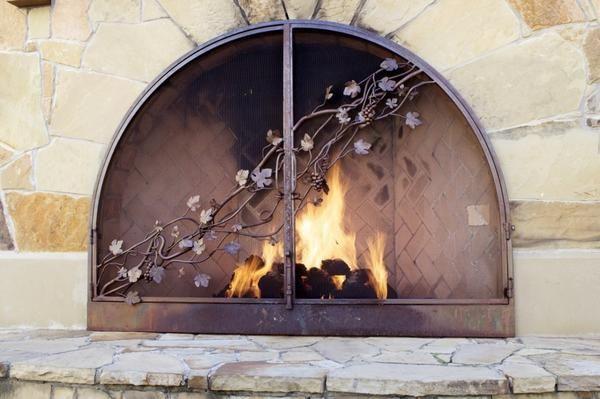 Trdna, dobro zgrajena ob upoštevanju pravil požarne varnosti centra vas prosim za več let lepoto in toplino živega ognja.