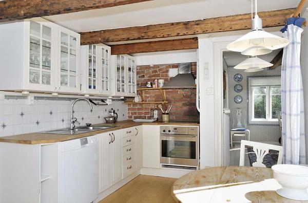 Kako spremeniti staro hišo v polnopravni koči