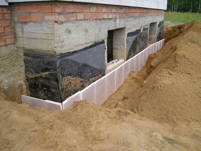 Izolacija na zunanji strani temeljev