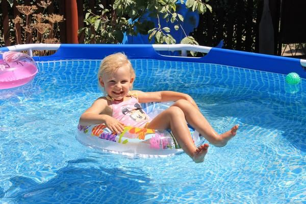 Kako izbrati bazen za otroka v državo