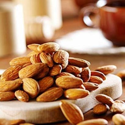 Каковы полезные свойства миндального ореха