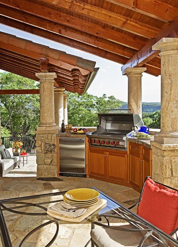 Kuhinja na prostem, kot način za povečanje uporabne površine na vrtu