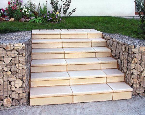 Stopnice na vrtu z lastnimi rokami: Master Class