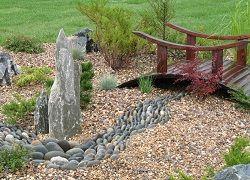 Необычный ручей из камня своими руками