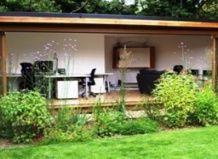 Nov trend - pisarno na vrtu