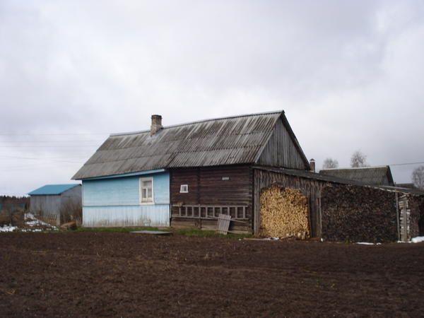 hiša (pogled na lopi)