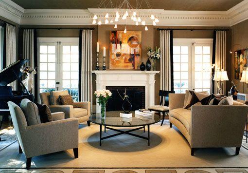 Zasnova velika dnevna soba v klasičnem slogu