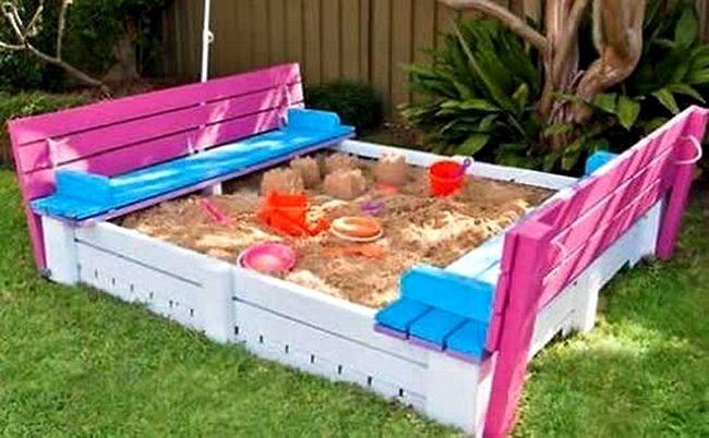 Sandbox paleta sa rukama