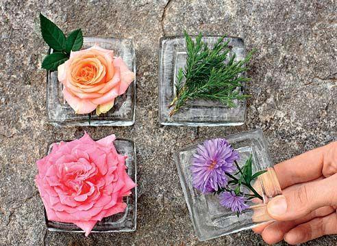 Розы в сосудах