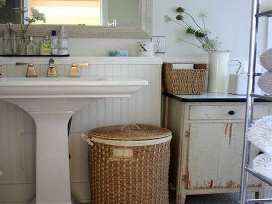 Pleteno košaro, v notranjosti kopalnico