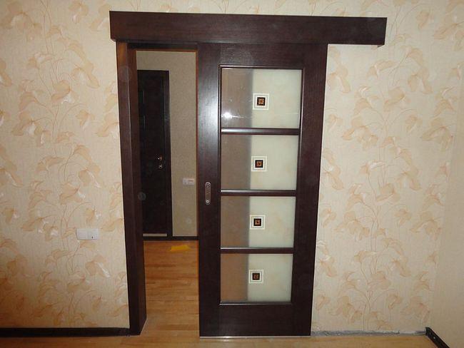 Drsna vrata med prostori