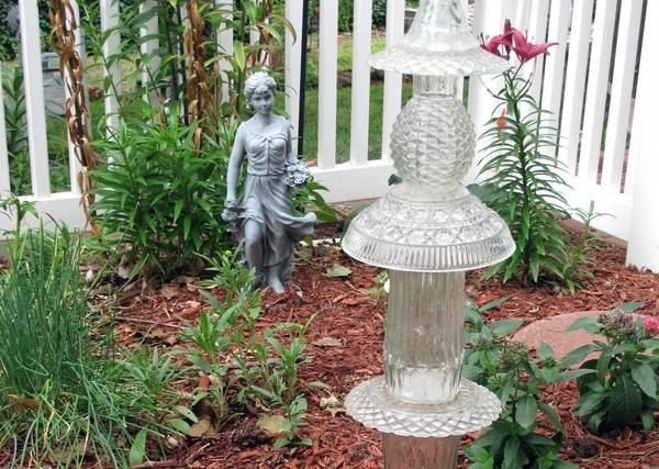 Steklene skulpture na vrtu