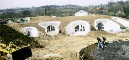 Starejše od Petra - gradnja Hobit hiše