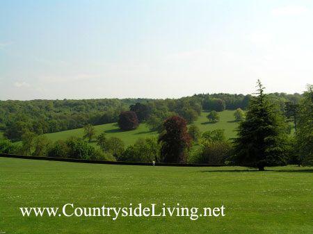 Landscape (Pokrajina) slog. Park nepremičnine Poulzden Lacey g Surrey, Anglija (Polesden Lacey)