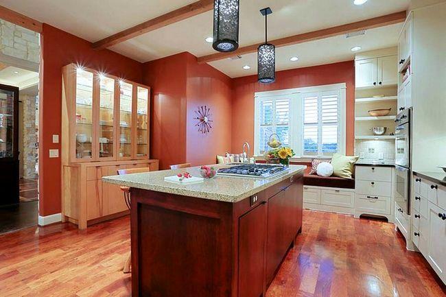 Barva terakota v notranjosti kuhinji