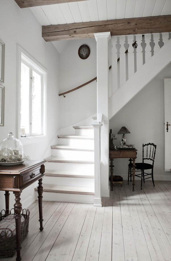 Stopnišče dvorana, bela