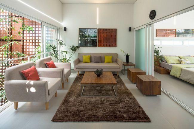 čudovito hišo z notranjim atriumom10