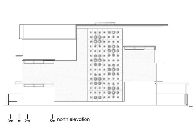 čudovito hišo z notranjim atriumom34