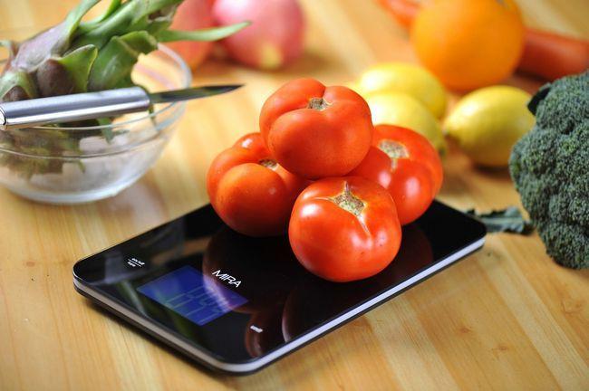 Izbira praktične elektronske tehtnice za kuhinjo
