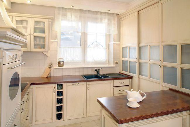 Izbira oblikovanje tona in tila tkanine za kuhinjo