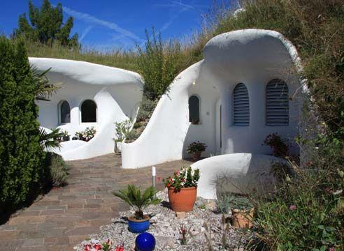 Zemunica: modna hiša iz tal